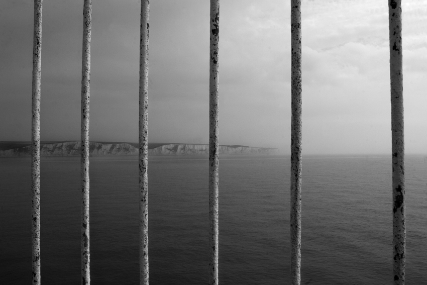 Calais_and_the_white_cliffs_of_Dover
